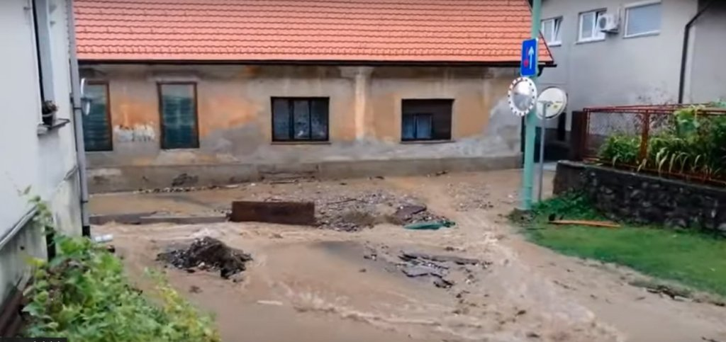 VIDEO: Hude poplave na Muti in Vuzenici